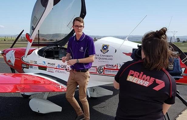 Teenage pilot circumnavigating Australia drops into Bathurst