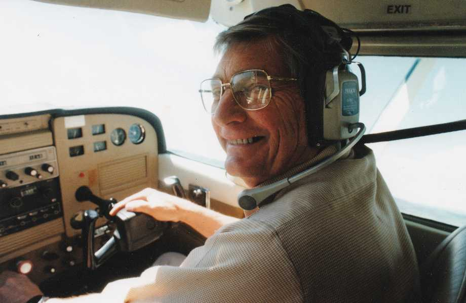 Jerry Trevor-Jones receives OAM for services to aviation
